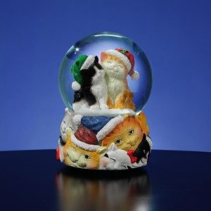 Christmas Cat Snow Globe